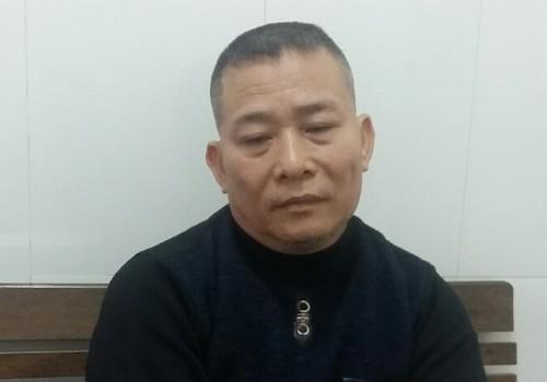 Người đàn ông ném chất bẩn dằn mặt nữ phóng viên bị khởi tố