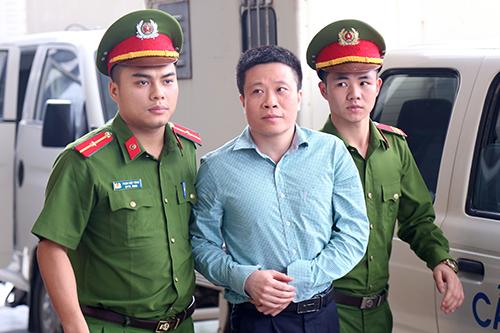 Bị cáo Hà Văn Thắm tại phiên phúc thẩm ngày 18/4. Ảnh: Phạm Dự