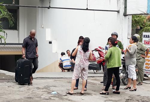 Cháy khách sạn ở Sài Gòn, nhiều người nước ngoài tháo chạy
