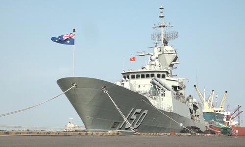 Tàu Hải quân Hoàng gia Australia ghé thăm TP HCM