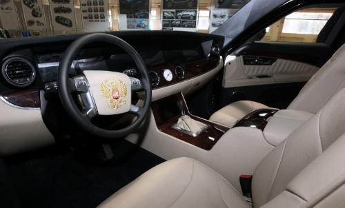 Limousine của Putin hoàn tất kiểm tra, chuẩn bị ra mắt