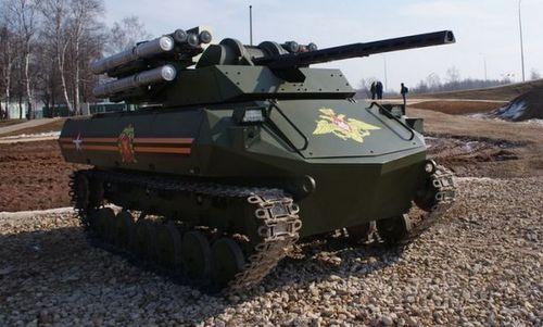 Robot chiến đấu Uran-9 của Nga. Ảnh: Rostec.
