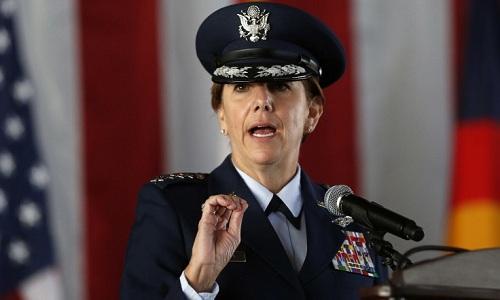 Tướng Lori Robinson, chỉ huy Bộ tư lệnh phương Bắc và Bộ tư lệnh Phòng không Bắc Mỹ. Ảnh: AP.