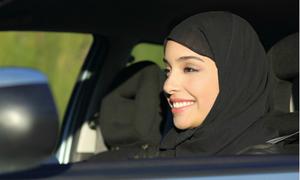 Nước nào là nơi cuối cùng cho phép phụ nữ lái xe?