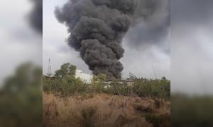 Cháy liên tiếp hai nhà xưởng ở Sài Gòn