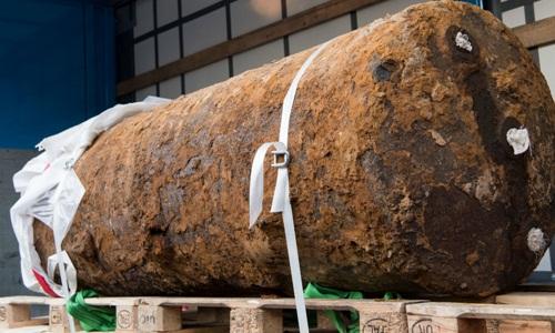 Một quả bom thời Thế chiến II nặng 1,8 tấn được vô hiệu hóa thành công ở Frankfurt, Đức, hồi tháng 9 năm ngoái. Ảnh: DPA.