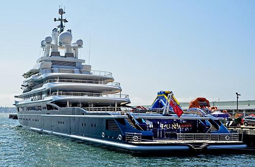 Tỷ phú Nga phải giao siêu du thuyền 500 triệu USD cho vợ cũ