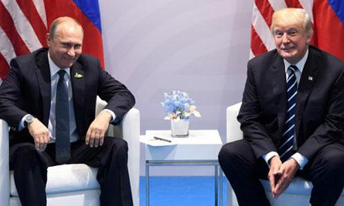 Tổng thống Mỹ Trump, phải, và người đồng cấp Nga Putin. Ảnh: The Hill.