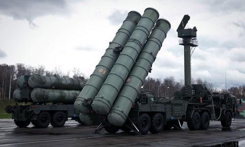 Tổ hợp tên lửa phòng không S-300 của Nga. Ảnh:Sputnik.