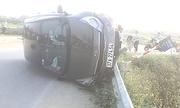 Ôtô hất văng 4 học sinh, một người tử vong