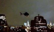Dân Mỹ hoảng hốt vì trực thăng đặc nhiệm bay sát nhà cao tầng