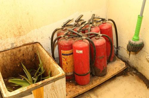 Các bình chữa cháy chungchung cư M3-M4 không thể hoạt động. Ảnh: Tuấn Sơn