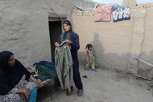 Cô gái Afghanistan sống dưới lốt con trai để chiều lòng cha mẹ