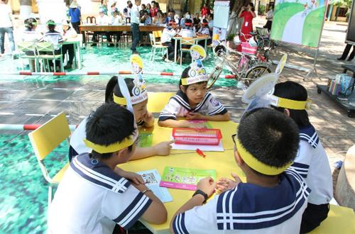 Hội giao lưu là sân chơi tìm hiểu kiến thức về luật giao thông đường bộ, khuyến khích học sinh đưa ra những ý tưởng, tuyên truyền về an toàn giao thông.