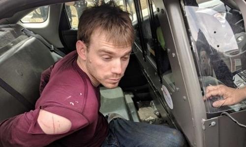 Thế giới ngày 24/4: Kẻ khỏa thân tấn công nhà hàng Mỹ bị bắt