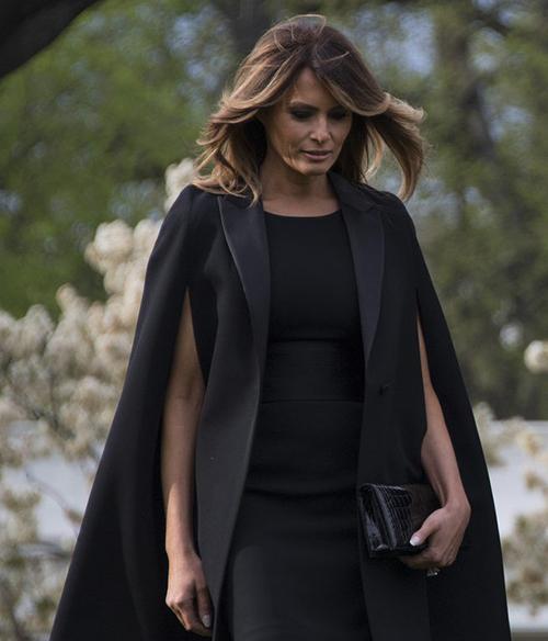 Melania diện áo của nhà mốt Pháp đón Tổng thống Macron