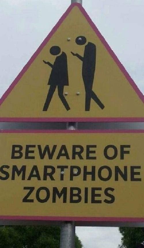 Hãy cẩn thận với những zombie nghiện smartphone.