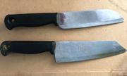 Hai thanh niên cầm dao vào bệnh viện tìm người gây tai nạn để trả thù