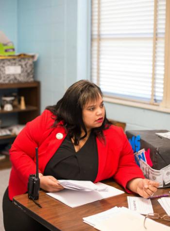 Thiếu giáo viên, trường học Mỹ kêu gọi người về hưu quay lại