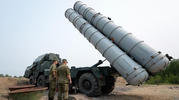 Thế giới ngày 25/4: Israel cảnh báo sẵn sàng tấn công S-300 Nga tại Syria