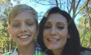 Giấu máy ghi âm trong balo con, bà mẹ Mỹ phát hiện cô giáo bạo hành