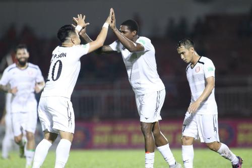 Phi Sơn nổ súng, HLV Miura thắng trận đầu tiên ở V-League - 1