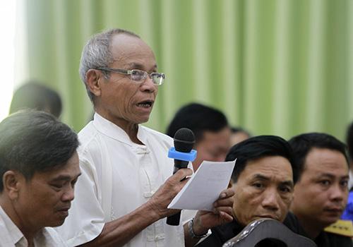 Cử tri Phan Văn Tải cho rằng nhân dân rất đau lòng trước hàng loạt vụ lùm xùm ở Đà Nẵng thời gian qua. Ảnh: Nguyễn Đông.