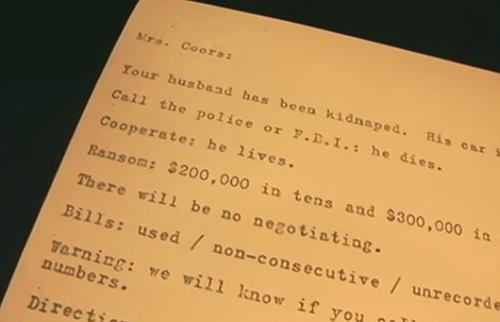 Phân tích mẫu chữ ký giống bức thư tống tiền.