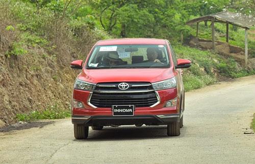 Toyota Innova  MPV đa dụng cho gia đình Việt - 1