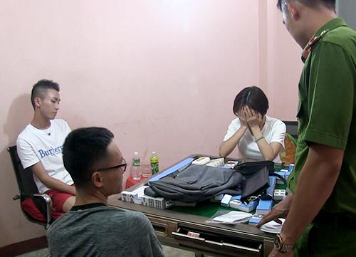 Người Trung Quốc đánh bạc trong căn nhà ba tầng ở Nha Trang bị cảnh sát