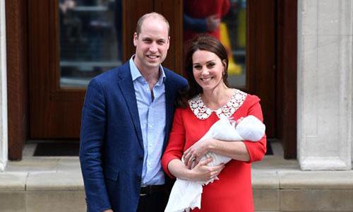 Hoàng gia Anh công bố tên của hoàng tử bé