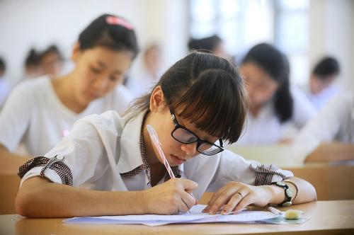 Phần lớn thí sinh đăng ký 3 nguyện vọng để xét tuyển đại học, cao đẳng. Ảnh: Quý Đoàn.