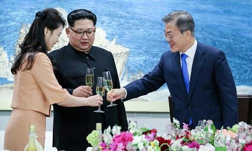 Kim Jong-un nói đùa về mỳ lạnh