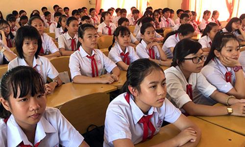 Chuyên viên gửi nhầm đáp án, học sinh Cần Thơ hoãn thi tiếng Anh