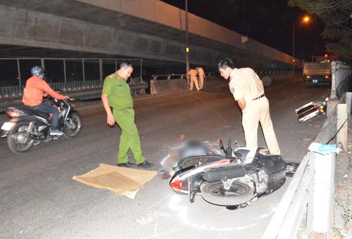 Tài xế ôtô tải bỏ trốn sau khi tông chết người ở Sài Gòn