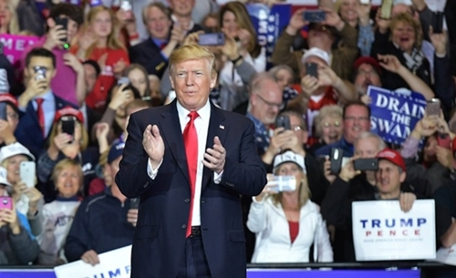 Trump dọa đóng cửa chính phủ nếu không chi tiền xây tường biên giới Mexico
