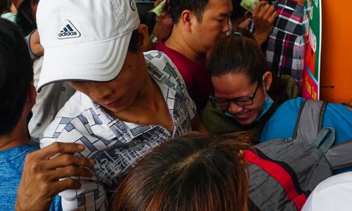 Người dân chen lấn vào Thảo Cầm Viên Sài Gòn chơi lễ