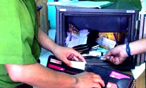 Nữ nhân viên dựng hiện trường giả, báo mất tiền của đơn vị