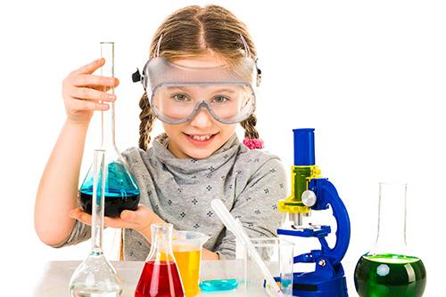 Trẻ cần sớm có niềm đam mê với khoa học. Ảnh: Twizzle