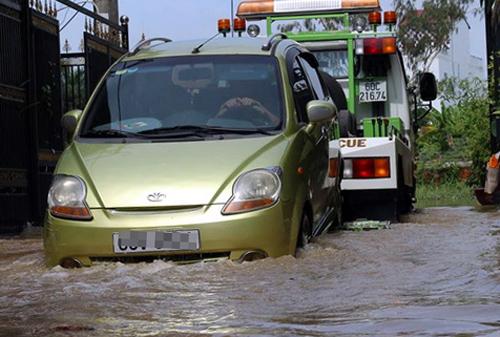 Nhiều nhà dân ở Đồng Nai ngập nặng sau mưa lớn