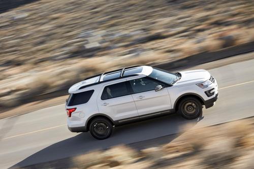 Ford cắt giảm đầu tư ở dòng xe con để đầu tư SUV, bán tải, những thế mạnh của hãng này. Ảnh: Motortrend.