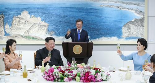 Loại rượu truyền thống Hàn Quốc chiêu đãi Kim Jong-un