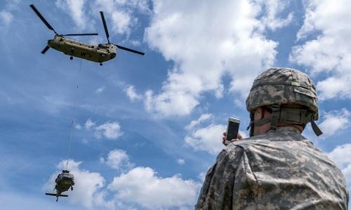 Mỹ cấm dùng điện thoại Trung Quốc tại căn cứ quân sự