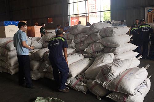Hơn 3 tấn vảy tê tê bị thu giữ. Ảnh: H.Q