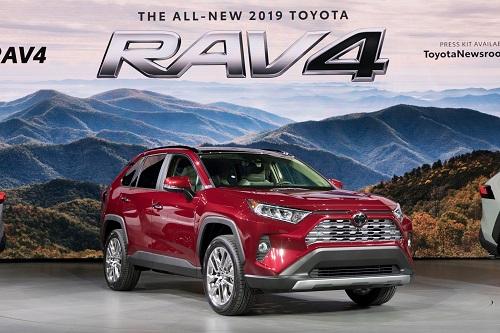 RAV4 là dòng xe bán chạy nhất của Toyota tại Mỹ trong năm ngoái. Ảnh: Topspeed.
