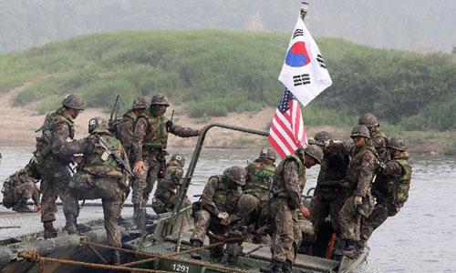 Lính Mỹ và Hàn Quốc trong một cuộc diễn tập chung. Ảnh:Yonhap.