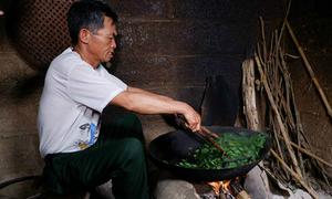 Cựu chiến binh thoát nghèo nhờ thức trà đặc sản của người Nùng