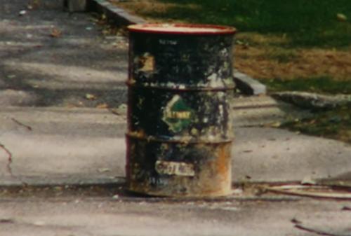 Chiếc thùng chứa xác nạn nhân.
