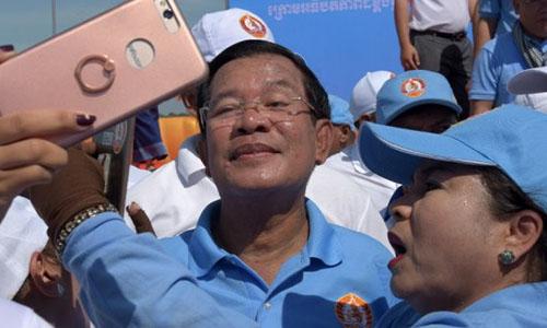 Hun Sen bác bỏ cáo buộc bầu cử Campuchia thiếu dân chủ