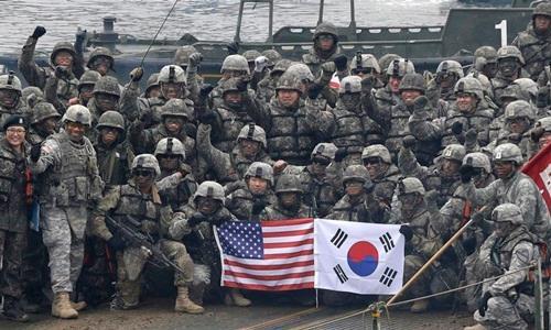 Lính Mỹ và Hàn Quốc trong một cuộc diễn tập chung. Ảnh: AP.